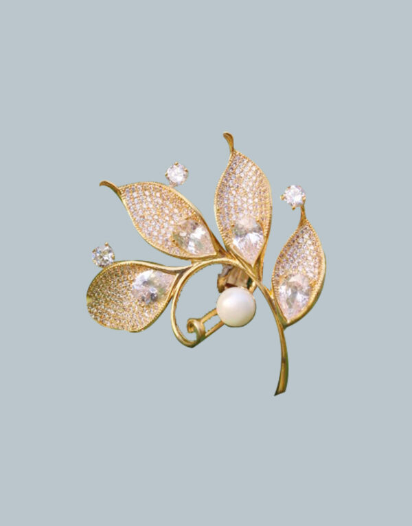 A-Delicate-Leaf-Ring-With-Stones.-1