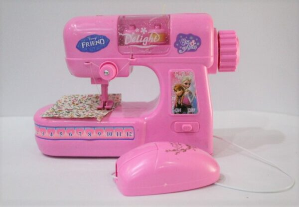Frozen Friend Mini Sewing Machine With Operating Light Age 3+